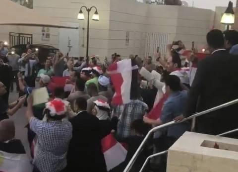 امتلاء حرم السفارة المصرية بالكويت بالناخبين وامتداد الطوابير للسفارات