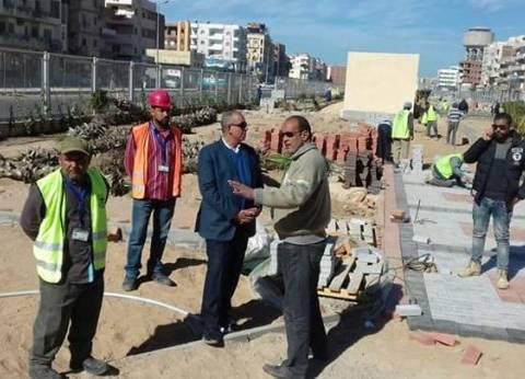 محافظ البحر الأحمر يتفقد أعمال التطوير والتجميل بالممشى الجديد