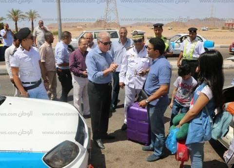 """محافظ جنوب سيناء يتفقد موقف شرم الشيخ لمتابعة تنفيذ """"التعريفة الجديدة"""""""