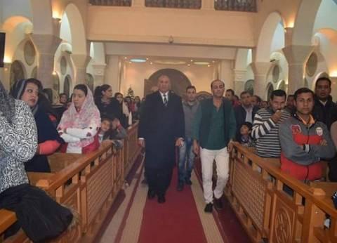 محافظ البحر الأحمر يهنئالأقباط بالكنيسة الكاثوليكية في الجونة