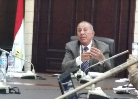 محافظ البحر الأحمر يستعرض المشروعات القومية المقرر افتتاحها