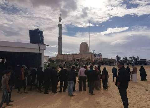 """أهالي شهداء """"الروضة"""" بين مصليّ الجمعة: """"صلينا في نفس المسجد ومش هنخاف"""""""