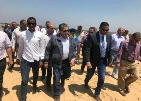 وزير البيئة يتفقد أعمال نقل المخلفات إلى المدفن الصحي بمدينة السادات