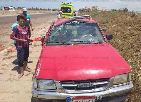 """بالصور  إصابة 14 شخصا إثر انقلاب سيارة محملة بـ""""الطماطم"""" في كفر الشيخ"""