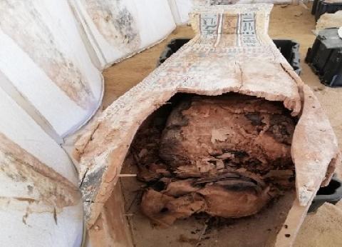 اكتشاف «بئر دفن» تضم بقايا تماثيل من عصر الدولة الوسطى فى الفيوم
