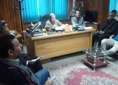 وكيل وزارة الصحة بسوهاج تجتمع بمديري الإدارات الفنية