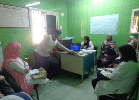 قوافل جامعة المنوفية تلتقي فرق التمريض بالوحدات الصحية بالراهب وسنتريس