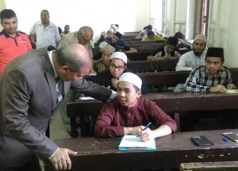 رئيس جامعة الأزهر يطمئن على سير الامتحانات بقطاع الدراسة