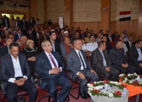 بالصور| احتفالية شعبية لتكريم محافظ الإسماعيلية السابق: شعب عظيم