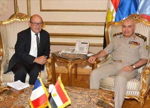 بالصور| وزيرا دفاع مصر وفرنسا يتفقدان عددا من الوحدات البحرية المصرية