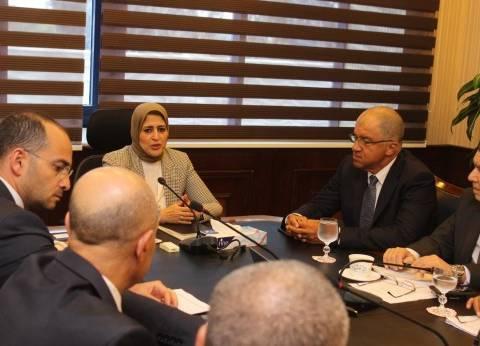 وفد اتحاد الصناعات يحدد 3 احتياجات عاجلة لقطاع الدواء أمام وزيرة الصحة
