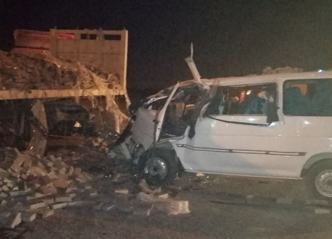 إصابة 7 أشخاص في انقلاب سيارة على الطريق الزراعي بالبحيرة