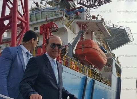 """رئيس """"دفاع البرلمان الفرنسي"""" في جولة بحرية بقناة السويس"""