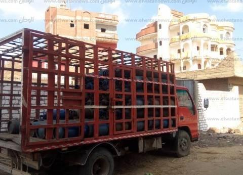 محافظ سوهاج: توزيع 900 أسطوانة بوتاجاز بقرية البطاخ