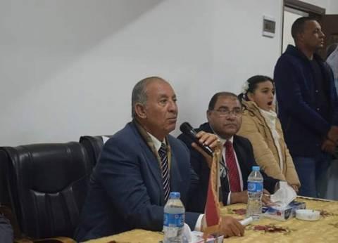محافظ البحر الأحمر يعقد لقاء مع أهالي أبو غصون في مرسي علم