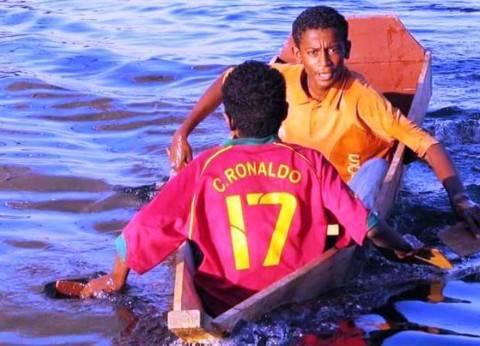 أسوان: سباقات مراكب بصفائح «الجبنة والسمنة».. ورياضات مائية على ضفاف النيل