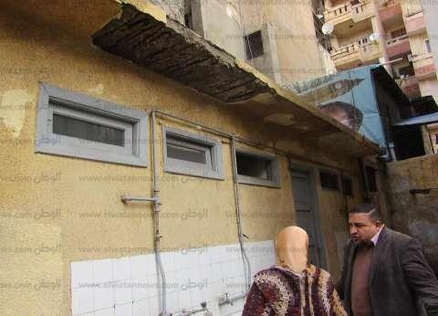 الأمطار تتسبب في تصدع مدرسة بوسط الإسكندرية.. والإدارة تتدخل