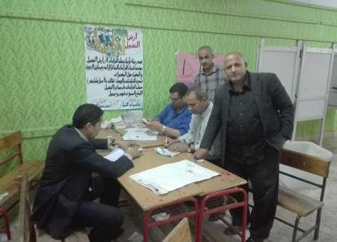 مؤشرات أولية| مدرسة الإسلامبولي بالبدرشين: السيسي 1178 صوتا وموسى 36