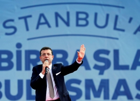 أوغلو يعلن عن مشروعات جديدة في إسطنبول.. وأردوغان يختلق أزمات لعرقلته