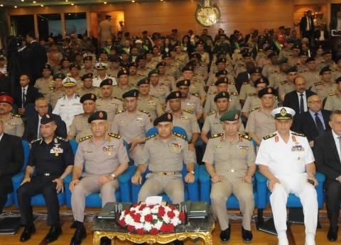 وزير الدفاع يشهد حفل تخريج دارسي دورات أكاديمية ناصر العسكرية