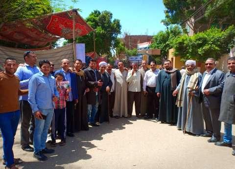 لليوم الثاني.. الآلاف من أهالي شطورة يدلون بأصواتهم في الاستفتاء