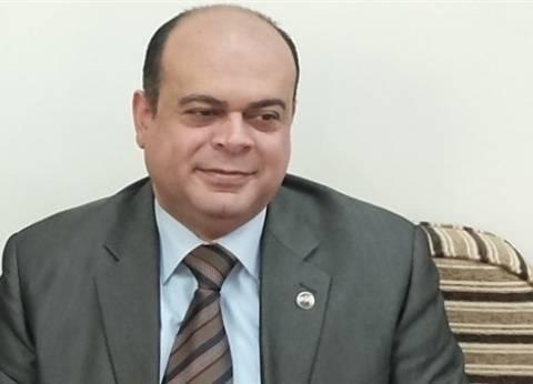 """مذيعة """"الإسكندرية"""" تشيد باستعداد مطروح للأمطار.. والمحافظ: """"ما شاء الله ربنا يسترها"""""""