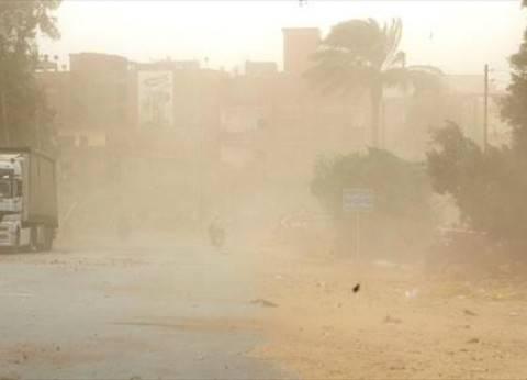 """سقوط 3 أعمدة إنارة بطريق """"القاهرة - الفيوم"""" الصحراوي بسبب سوء الطقس"""