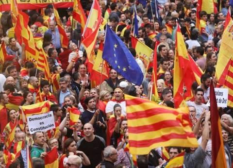 """""""مسؤول إسباني"""" يعتذر عن تعامل الشرطة مع المحتجين في """"كاتالونيا"""""""