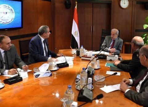 رئيس الوزراء ووزير التموين يبحثان موقف السلع الاستراتيجية قبل رمضان