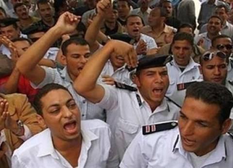 أفراد الشرطة المعتصمين بالشرقية: لسنا إخوان.. ونطالب بحقوق مشروعة