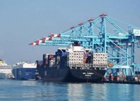 رئيس ميناء الإسكندرية يحذر من حوادث الشحن والتفريغ