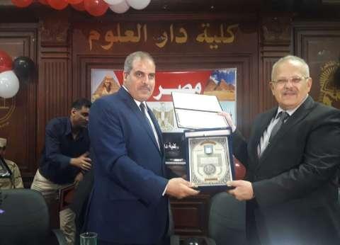 """جامعة القاهرة تكرم رئيس """"الأزهر"""" ونائبه"""