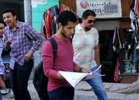 السماح للطالبات بدخول امتحان الإنجليزي بحقائبهم في إمبابة بعد تفتيشها