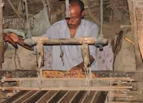 الدقهلية: صناعة السجاد.. «أنوال» يعلوها التراب
