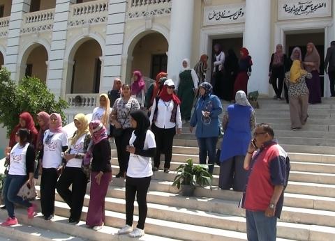 """""""بنات المنيا"""" يشاركن في الاستفتاء على التعديلات الدستورية"""