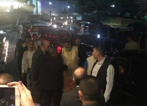 """البابا تواضروس يصل إلى مطار القاهرة للصلاة على رفات """"شهداء ليبيا"""""""