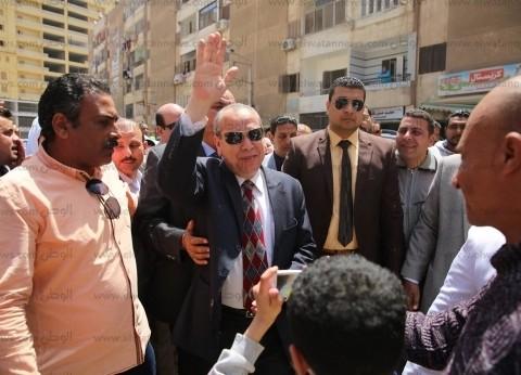 بالصور| إقبال كثيف على لجان الاستفتاء بكفر الشيخ.. المحافظ يتقدم مسيرة