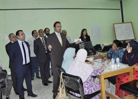 نائب وزير التربية والتعليم يبحث مع المدرسين مشكلات «التسويات والاغترابات والعقود المؤقتة»