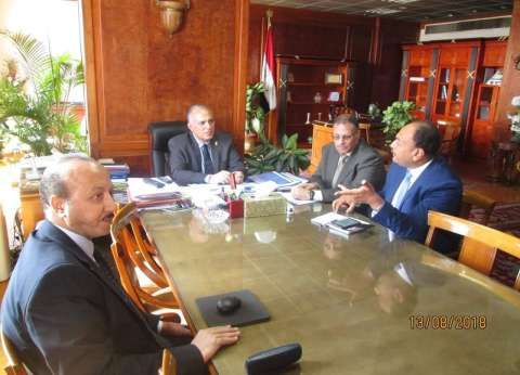 وزير الري يناقش تطوير بحوث المياه وتدريب الباحثين