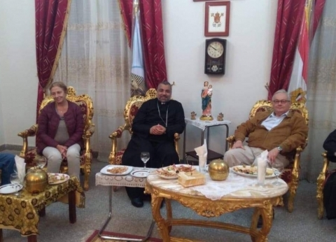 مطران الأقصر للأقباط الكاثوليك يستقبل السفير الإيطالي