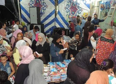 مدير أمن السويس يفتتح معرض الشرطة لمستلزمات المدارس بنادي الشرطة