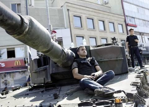 وزير الدفاع التركي: من المبكر القول بأنّ خطر الانقلاب قد زال تماما