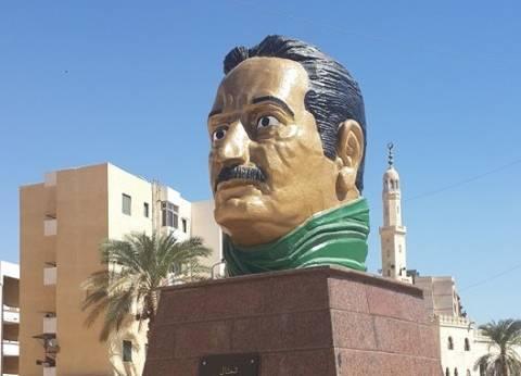 """أول تعليق لوزير الثقافة على تمثال """"العقاد"""" المثير للجدل في أسوان"""