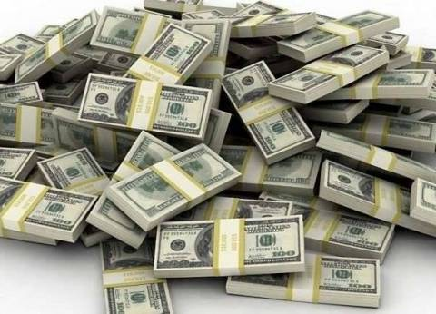 الدولار يرتفع قرشا في البنك الأهلي المصري