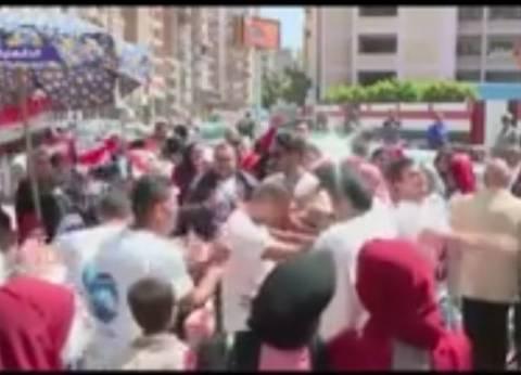 بالفيديو| احتفالات ورقص أمام لجان الانتخابات بالدقهلية