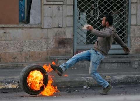عاجل| إصابة 3 فلسطينيين في اشتباكات مع جيش الاحتلال الإسرائيلي