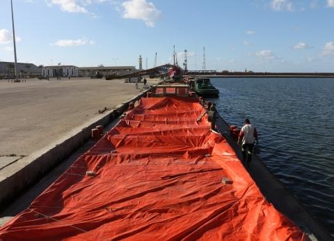 بالتزامن مع هطول الأمطار.. انتظام حركة الملاحة البحرية بميناء دمياط