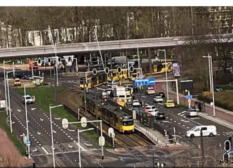 هولندا تبدأ محادثات أزمة بعد حادث إطلاق نار: نشعر بقلق بالغ