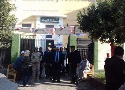 مدير أمن الإسماعيلية يتفقد اللجان الانتخابية.. ويتابع الخدمات الأمنية