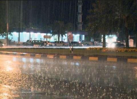 """""""النوة مستمرة"""".. هطول الأمطار من جديد على """"الإسكندرية"""""""
